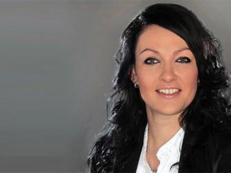 Frau Sabine Scheitenberger