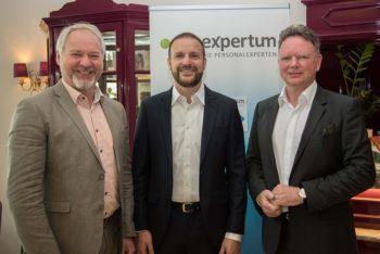 Stefan Burde, Thomas Grigoleit und Jörg Stehr feiern die Verschmelzung
