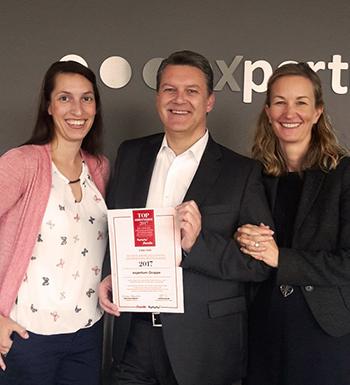 André Ozolins mit Anika Jensch und Birte Davidson
