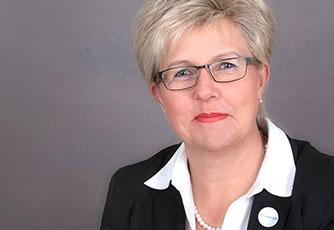 Frau Monika Schneider